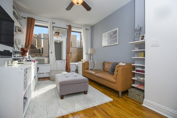 HELL'S KITCHEN - TRUE ONE BEDROOM - EXTREMELY LOW MAINTENANCE - OWN FOR LESS THAN RENTING!